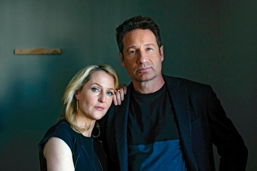"PHOTO MOVED IN ADVANCE AND NOT FOR USE - ONLINE OR IN PRINT - BEFORE JAN. 24, 2016. -- Gillian Anderson and David Duchovny at the Hollywood Roosevelt hotel in Los Angeles, Jan. 12, 2016. The two are reprising their ""X-Files"" characters Mulder and Scully with a six-episode revival on Fox of the '90s TV series that lasted nine seasons. (Brinson+Banks/The New York Times)"